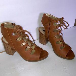 White Mountain Fanfare sandals size 7.5